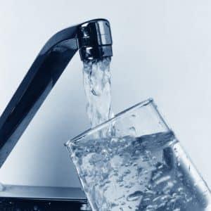 Puis-je utiliser l'eau du robinet pour cultiver du cannabis